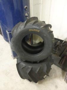 Razor blade paddle tires , 22x11x10