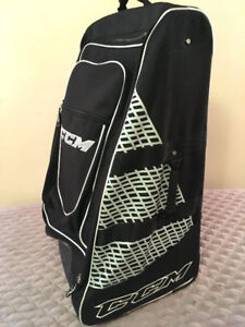 Excellent Wheeled CCM Tower Hockey Bag SEE VIDEO