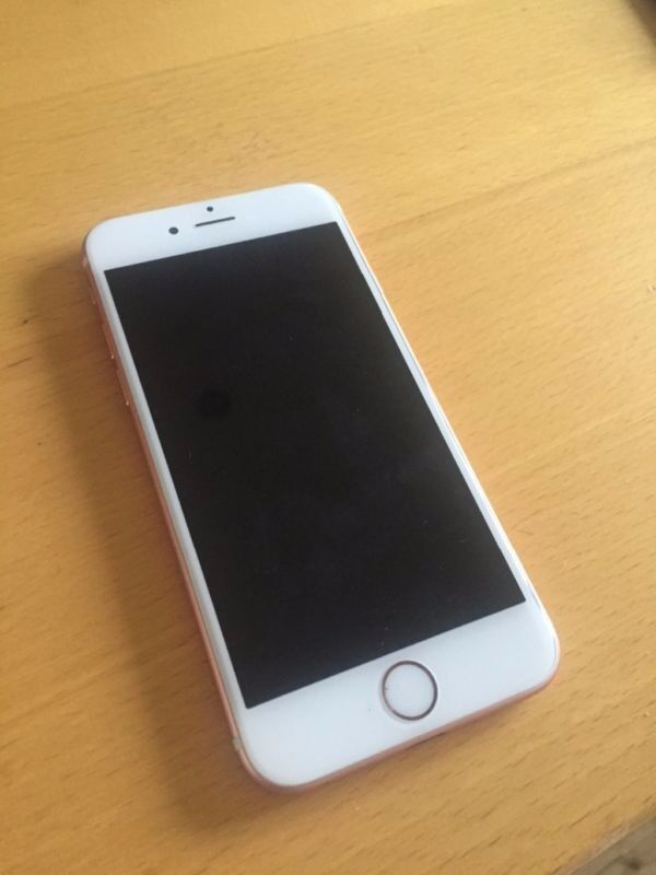 Unlocked Apple iPhone 6s 128GB ROSE GOLD PINK mobile smartphone phone Excellent conditionin Oldham, ManchesterGumtree - Hi, for sale is an Apple iPhone 6s 128GB in ROSE GOLD (pink) UNLOCKED/SIM FREE Superb condition! Back and front are excellent Comes with charger.. £395 cash on collection from my home address. Im a genuine and honest seller who has been selling on...