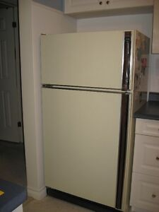 "30"" GE refrigerator, stove and range hood, beige color"