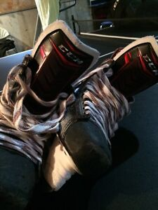 Quality 10D Bauer Vapor Apx 2 skates  Kitchener / Waterloo Kitchener Area image 5