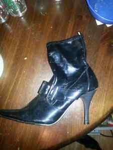 Size 10 womens shoes and boots London Ontario image 3