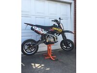 Road legal 140cc pitbike supermoto