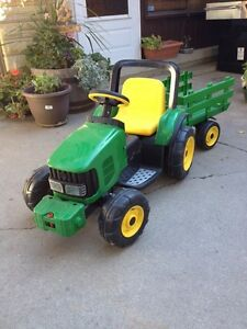 Limited Edition Kids John Deere Tractor w/trailer