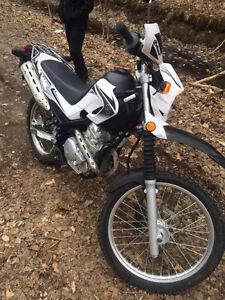 2008 Enduro Yamaha XT250 Motorcycle