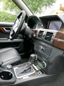 2010 Mercedes Benz GLK 350 with extended warranty