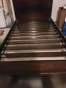 Twin sized bedframe