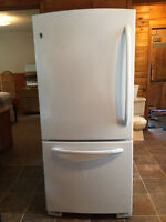 Clean and Excellent Condition GE Refrigerator