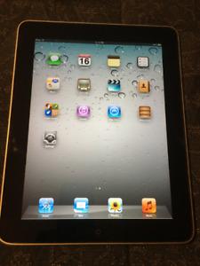 Apple iPad 16GB – Apple USB Charger - Apple Protective Case