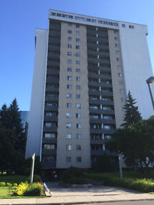 3 1/2 ALL INCLUDED! 5 MINUTES WALK TO METRO LONGUEUIL $855