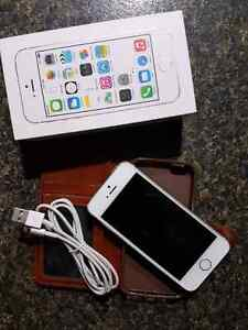 iPhone 5S Rogers 16GB, White,  Excellent Condition