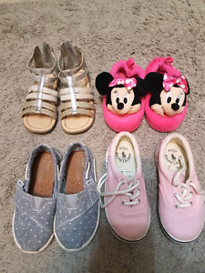 Kids shoes size7