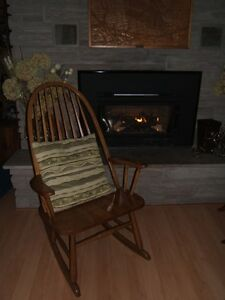 SOLID OAK ROCKING CHAIR WITH EXTRA WIDE SEAT