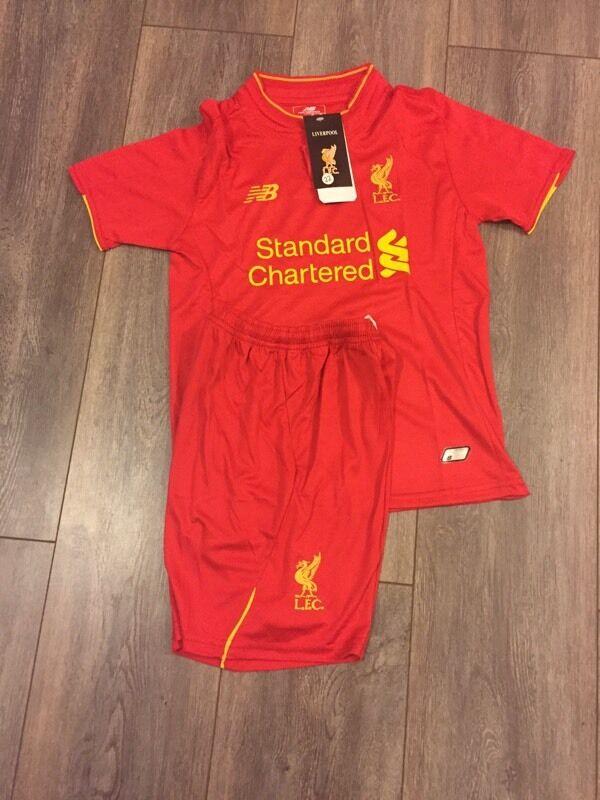 new arrival 63e0e e596a New kids Liverpool Football shirt & short 2016/2017 | in ...