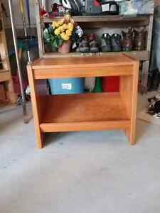 TV Stand / End Table etc, solid wood, in excellent condition, sh Peterborough Peterborough Area image 5
