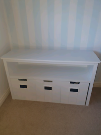 Dresser/Storage unit kids room