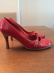 Chaussures cuir verni rouge
