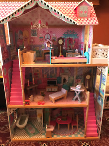 Large doll house + furniture + dolls (the Perfect complete GIFT)