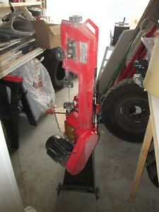 Horzontal BAND SAW Brand new