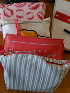 Small cosmetic bags wanted