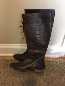 BRAND NEW LACE UP LEATHER HUSH PUPPIES TALL BOOTS