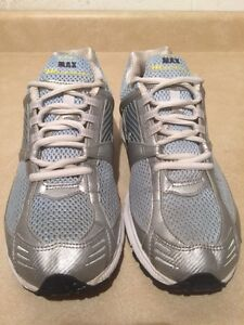 Women's Nike Zoom Max Air Running Shoes Size 10 London Ontario image 4