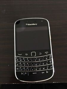 Blackberry 9900 UNLOCKED Mint