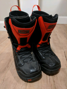 Woman's Snowboarding Boots - Size 8