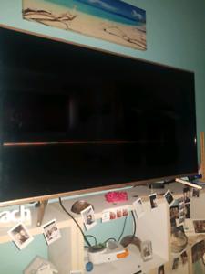 "Soniq 55"" Full hd lcd led 4k hdr Tv !"