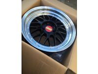 "BRAND NEW 18"" BMW BBS BLACK ALLOYS- WITH CHROME DEEP DISH- 1 Series 2 series 3 series- BOXED SET"