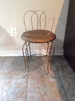 Petite chaise de vanité *** VINTAGE *** Vanity chair
