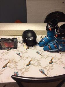 Casque, lunettes et  bottes de ski pour homme NEUF