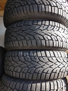 205/55R16 GISLAVED, 4 TIRE D'HIVER COMME NEUFS