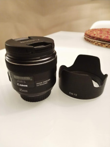 Canon EF 35mm f/2 IS USM Lens with filter and hood