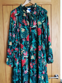 *BRAND NEW* Vila tropical dress