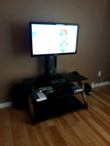 "LED 32"" Samsung TV with wall mount and stand"