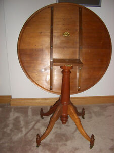 ANTIQUE FOLDING CARD TABLE Peterborough Peterborough Area image 3