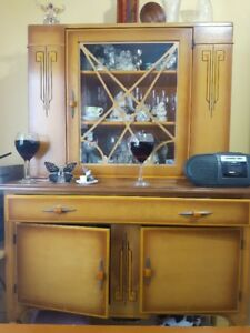 Antique Dining room table, 4 chairs and hutch