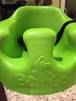 Green Bumbo w/ straps and tray