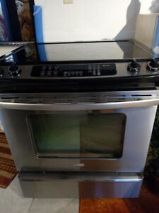 Whirlpool slide-in electric stove / oven