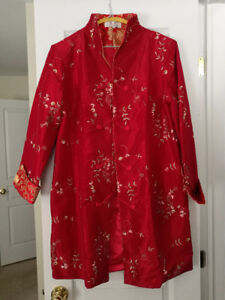 Woman outerwear with traditional Chinese embroideries, size larg