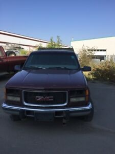 1997 GMC Sierra 2500 Pickup Truck for parts