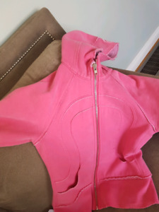 Pink Lululemon hoodie excellent used condition