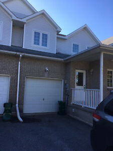 Newly Renovated 3-bdrm Townhouse Close to CFB