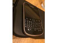 blackberry bold 9900 black