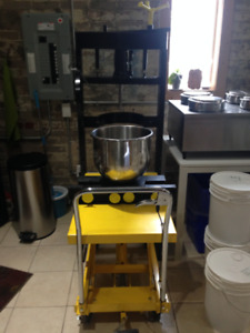 Industrial Hydraulic Tincture & Oil Press