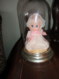 """older doll 7 inches tall, like new under 10 """" dome 5.00"""