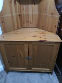Corner cupboard very good condition