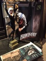 Sideshow Blackcat statue / comes with box and print.
