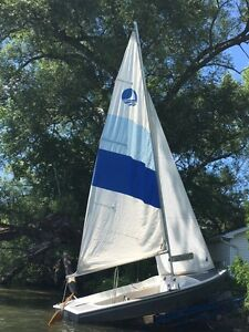 16 ft Bombardier Sailboat  - good condition